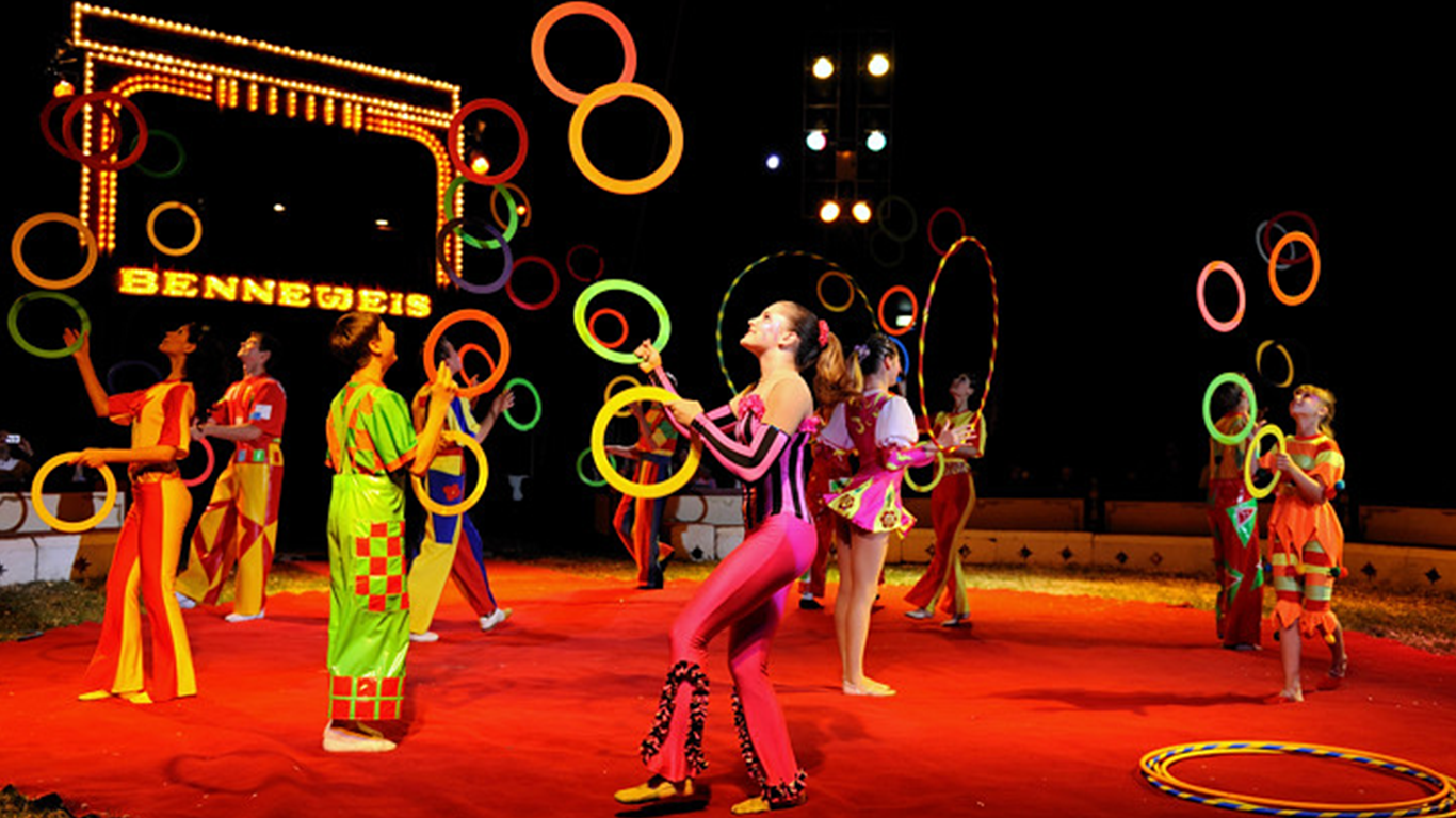 circus juggle